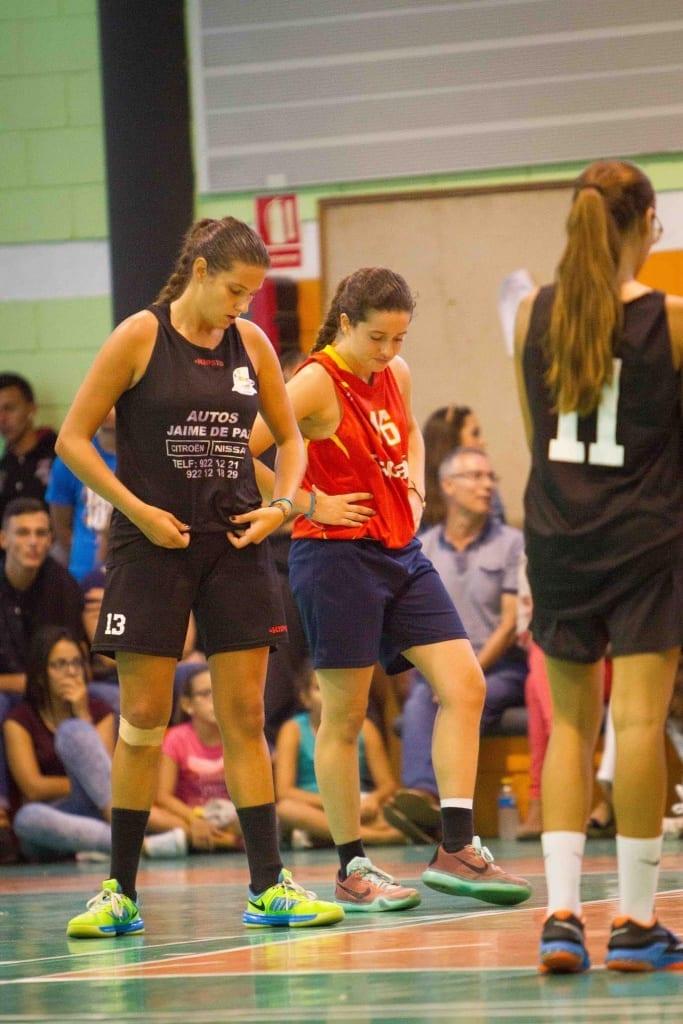 Laura Martín (CSK La Ropa/Negro) y Duna González (Vasaldan/Rojo) Foto: Bily Quintero