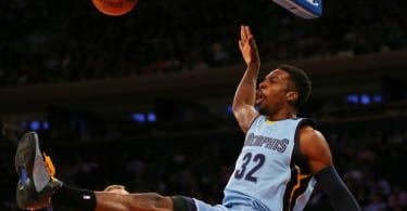 Mar 23, 2015; New York, NY, USA; Memphis Grizzlies forward Jeff Green (32) dunks the ball against the New York Knicks during the first half at Madison Square Garden. Mandatory Credit: Adam Hunger-USA TODAY Sports