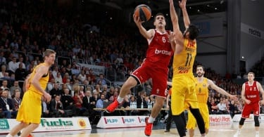 nikos-zisis-brose-baskets-bamberg-eb15