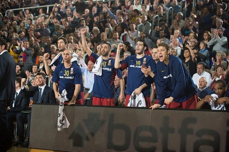 fc-barcelona-lassa-celebrates-eb15