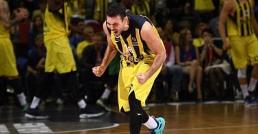 kostas-sloukas-celebrates-fenerbahce-istanbul-final-four-berlin-2016-eb15
