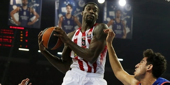 Othello-Hunter-pívot-del-Olympiacos