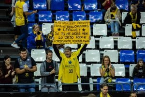 Afición del Iberostar Tenerife (Alexis Navarro). Foto: BCL