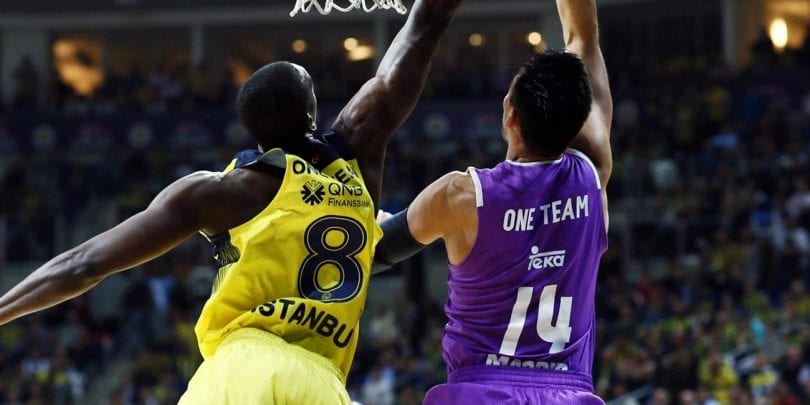 one-team-week-gustavo-ayon-real-madrid-eb16