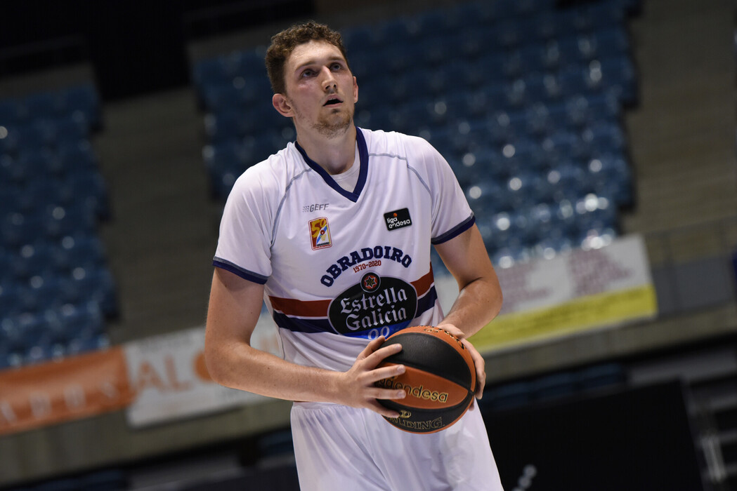 Speaking with one of the league's revelations, speaking with Laurynas Birutis - Piratas del Basket