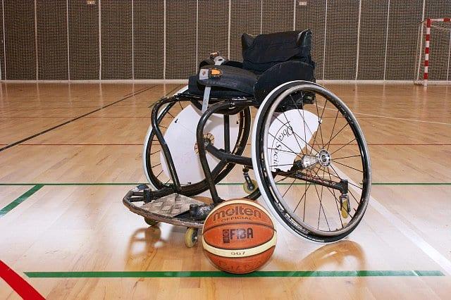 El mundo del baloncesto en silla de ruedas piratas del basket - Ruedas para sillas de ruedas ...