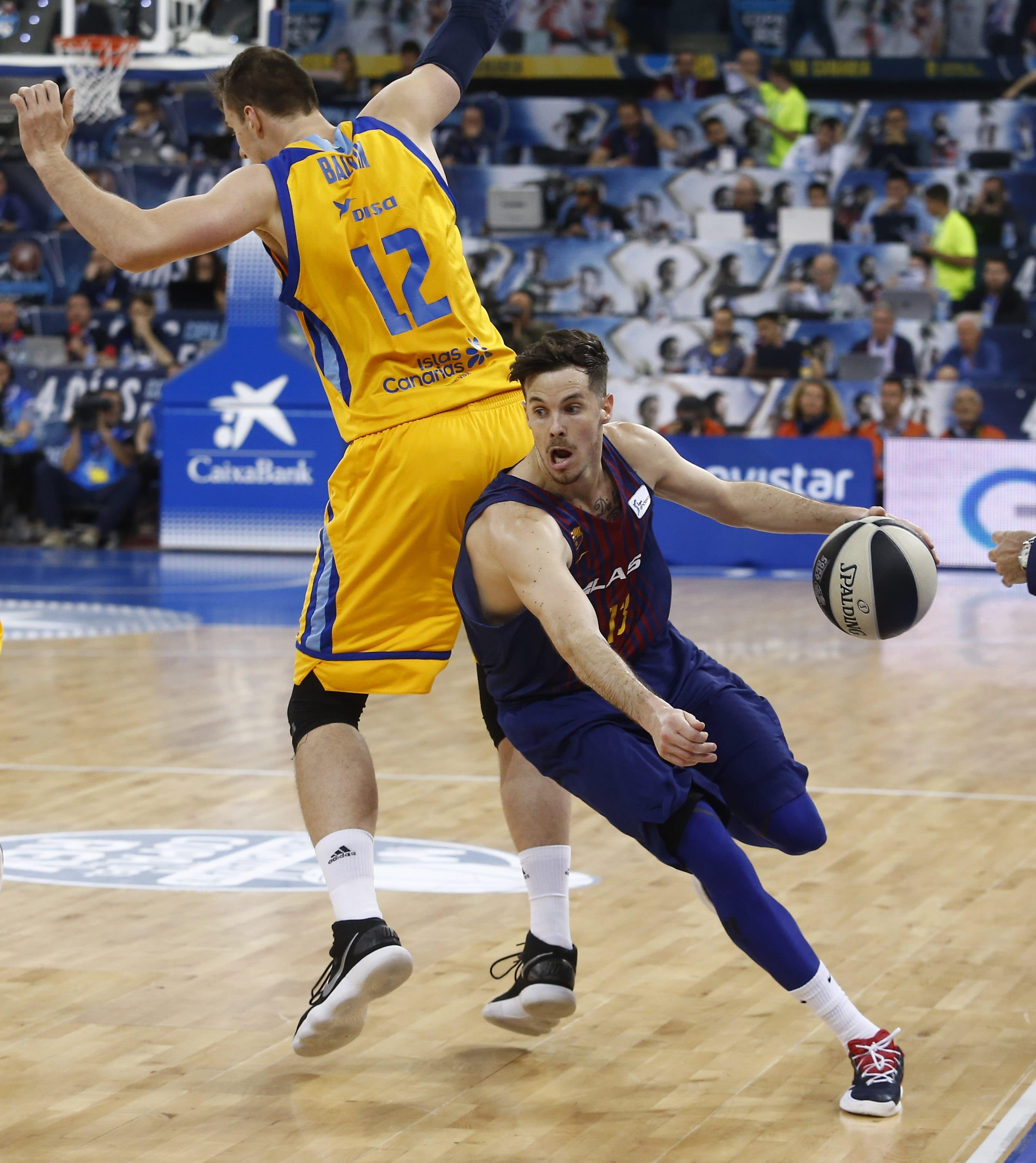 5b31ad65a La cabeza de Heurtel y el coraje de Oriola anula el efecto Eriksson (74-87)  - Piratas del Basket