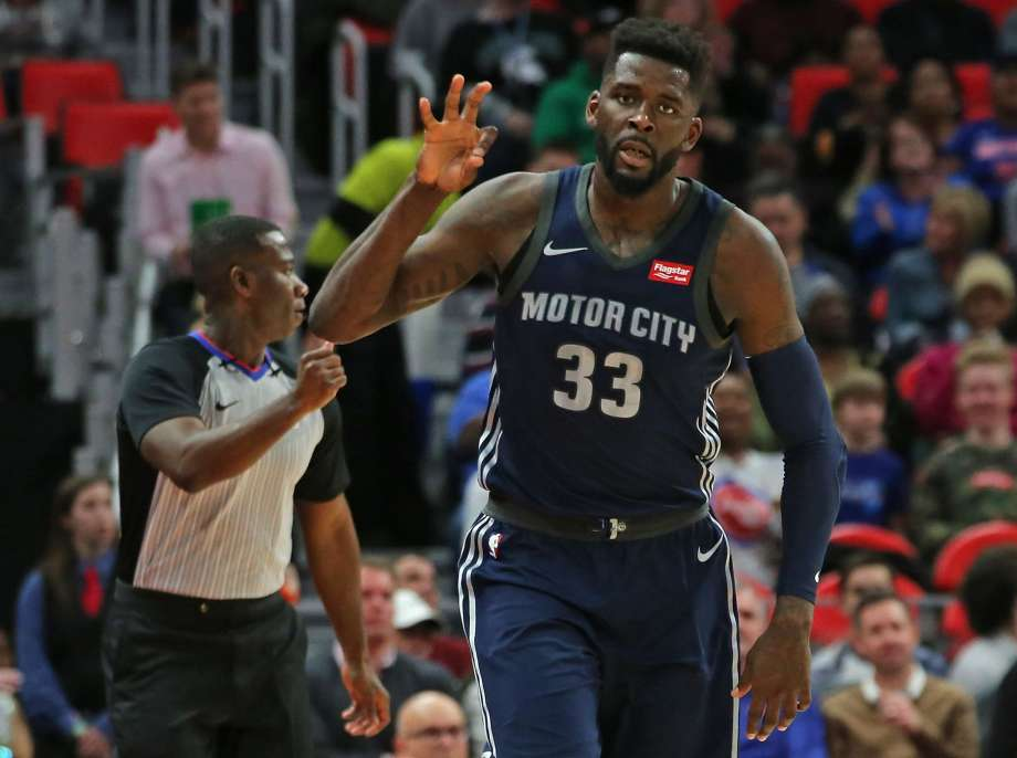 Houston Rockets reforzó su juego defensivo con el alero James Ennis III